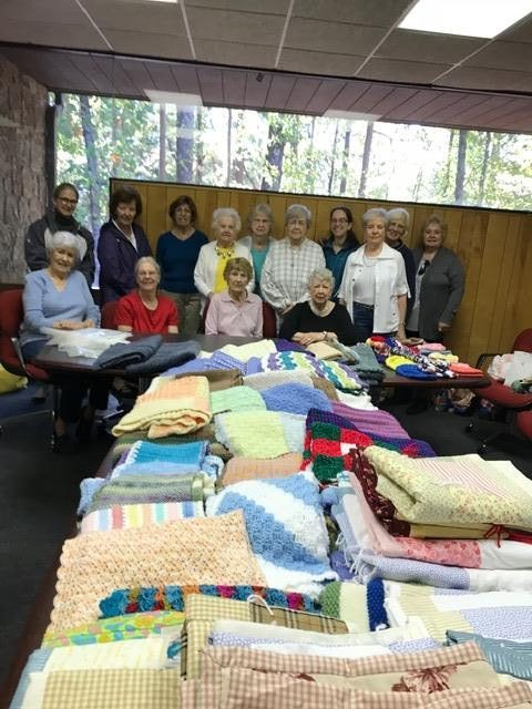 Knitting group with creations